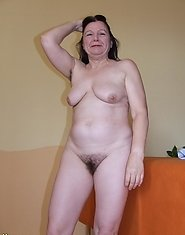 Hairy mature slut getting ready for naughtyness